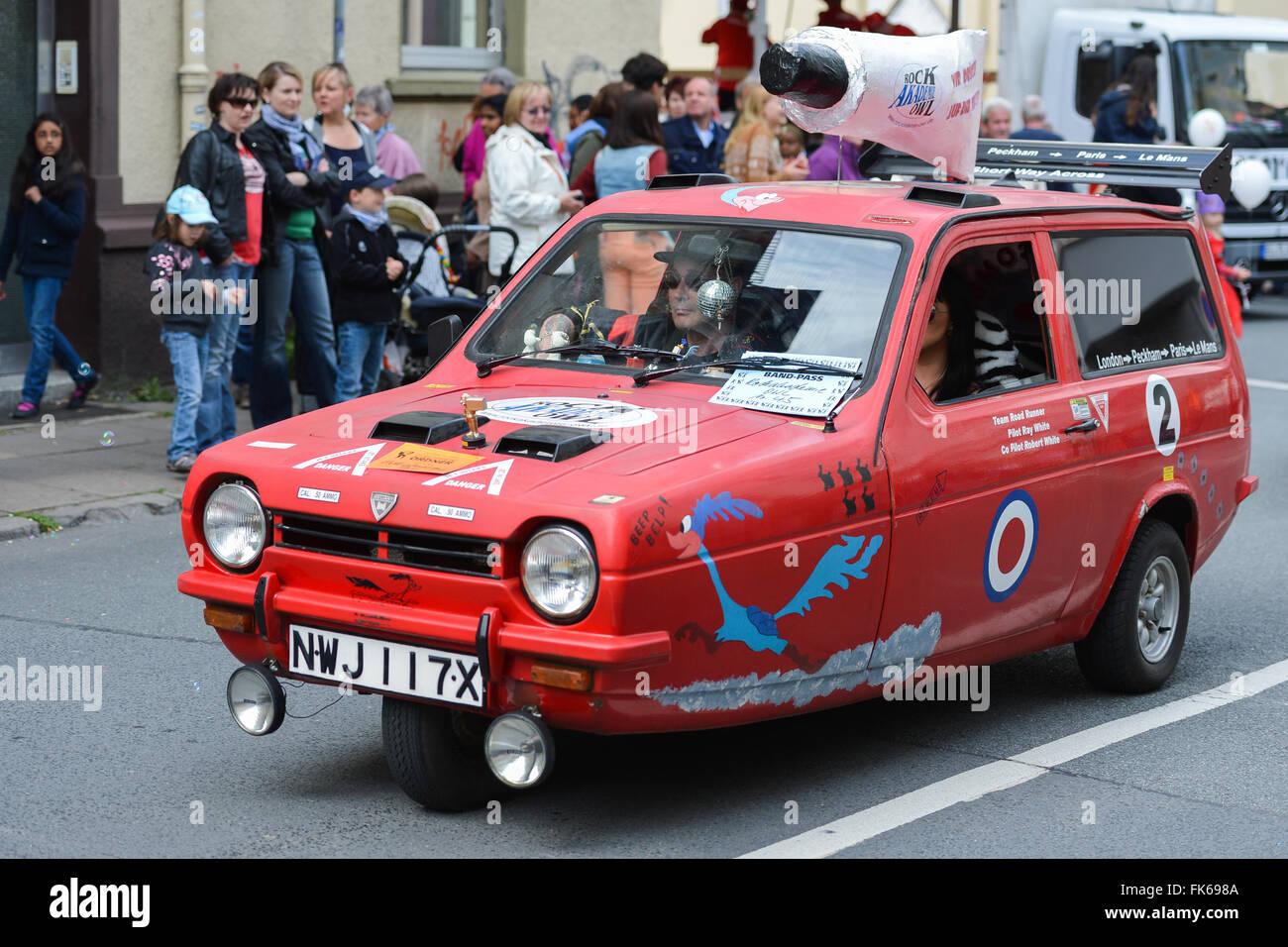 Robin angewiesen Automobil auf Deutsch Straßenjahrmarkt Stockbild