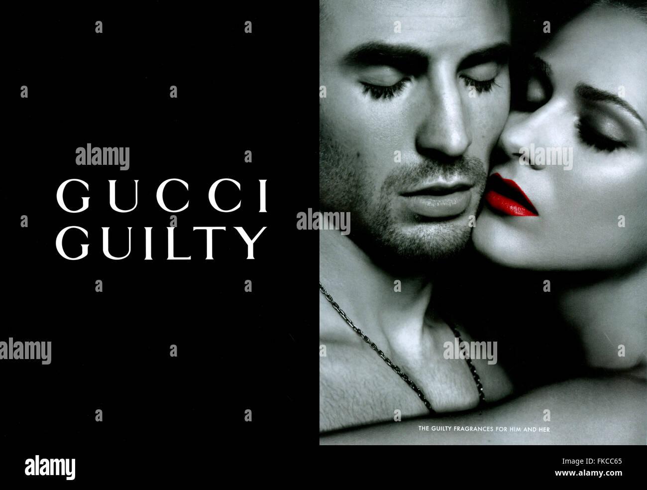 7f6bc36502c6 2010er Jahre UK Gucci Magazin Anzeige Stockfoto, Bild  98003309 - Alamy