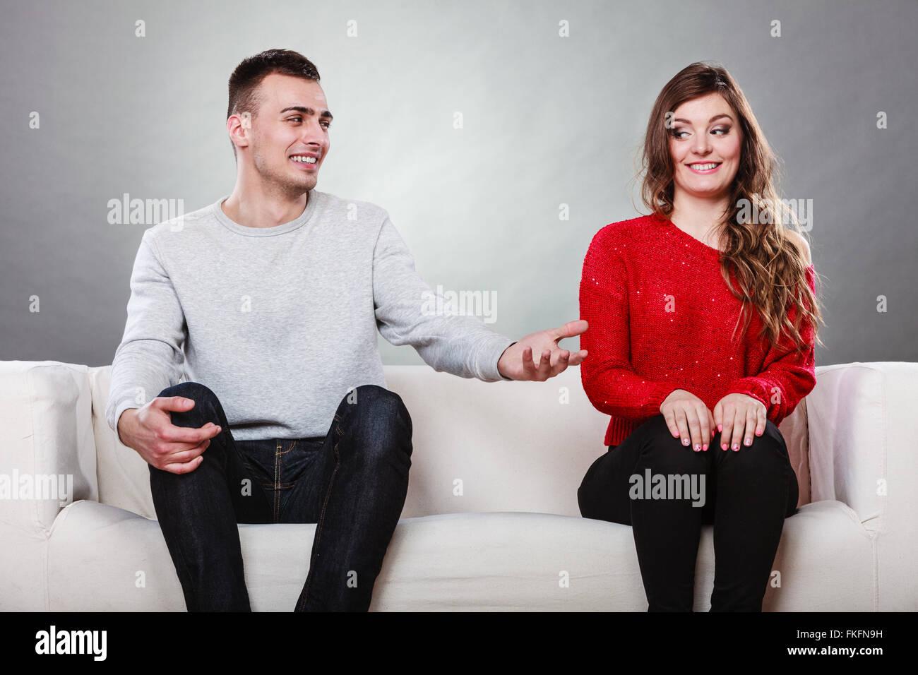 Frau und mann erstes treffen [PUNIQRANDLINE-(au-dating-names.txt) 68