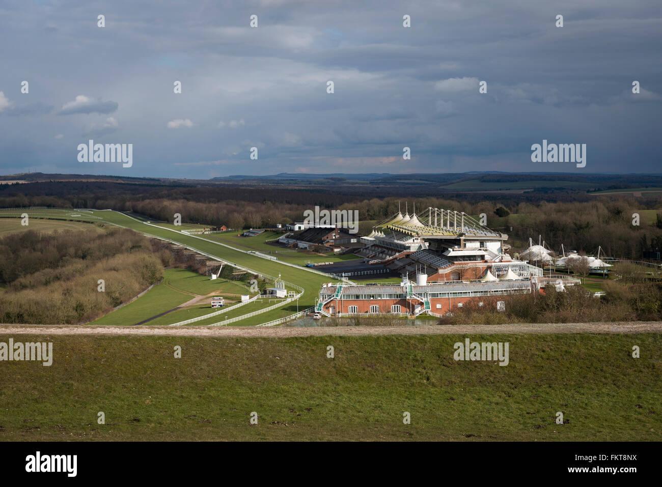 Goodwood Race Course gesehen von der Trundle in der Nähe von Chichester, West Sussex, UK Stockbild