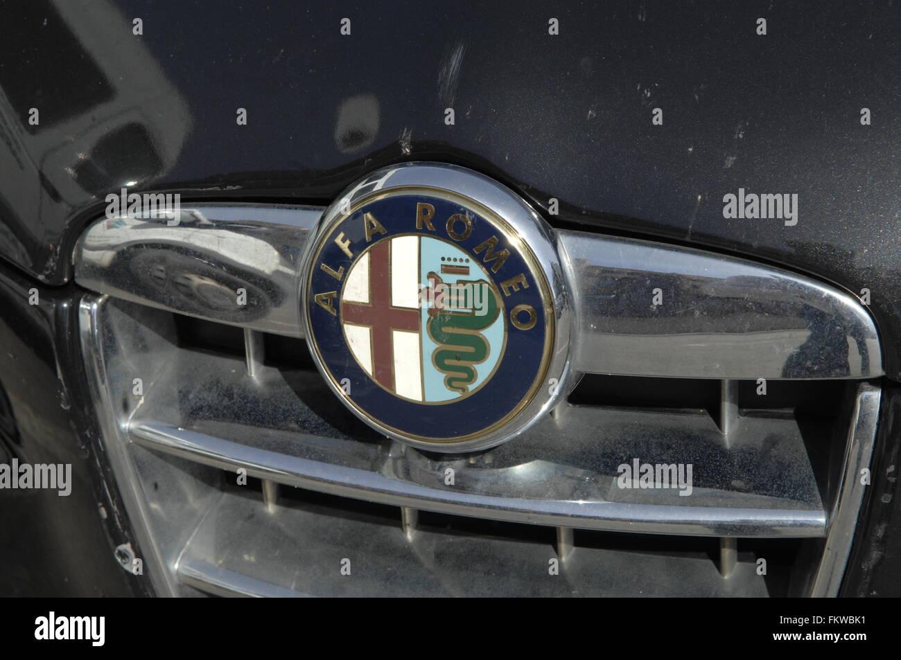 "Alfa Romeo Automobiles s.p.a. ist ein italienischer Automobilhersteller. Als Tiefzeiten (""Anonima Lombarda Fabbrica Automobili"" gegründet Stockfoto"