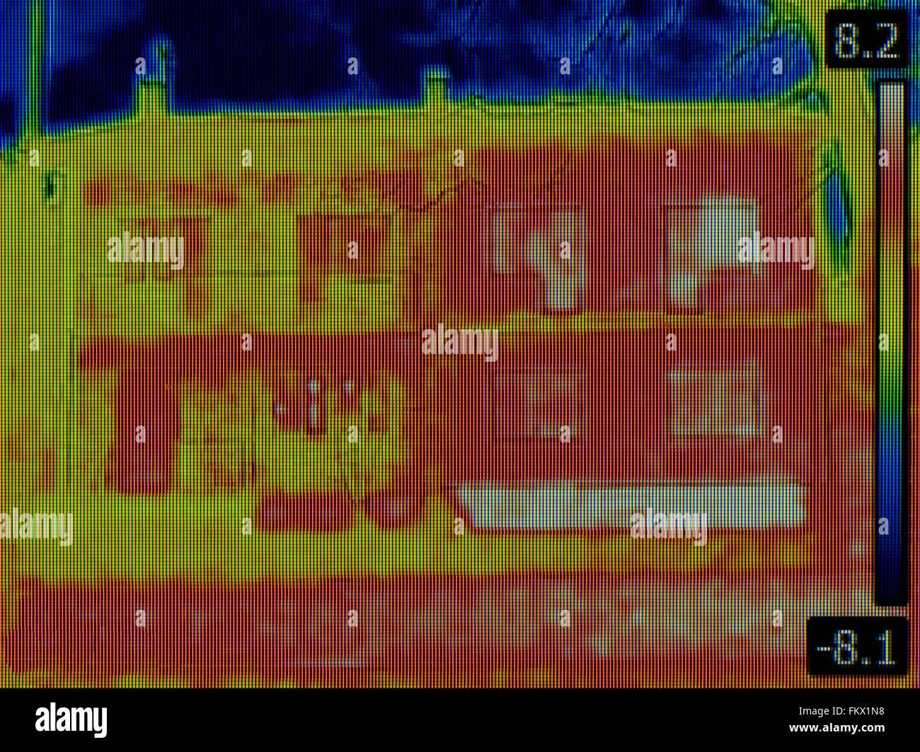 Wärmebild eines Semi-Einfamilienhaus Stockfoto