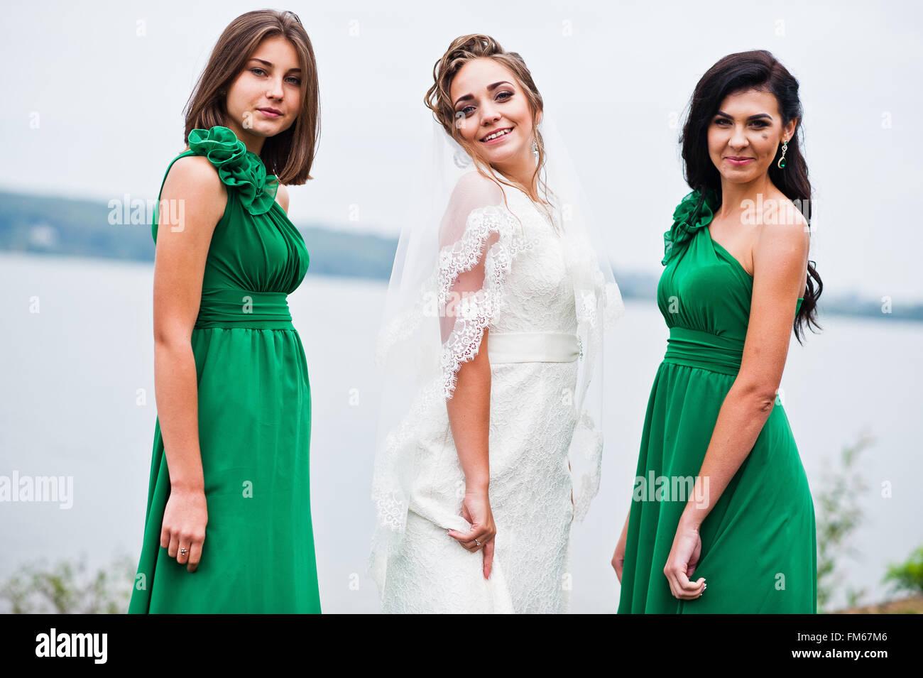 Schön Grünes Kleid Für Brautjungfer Fotos - Brautkleider Ideen ...