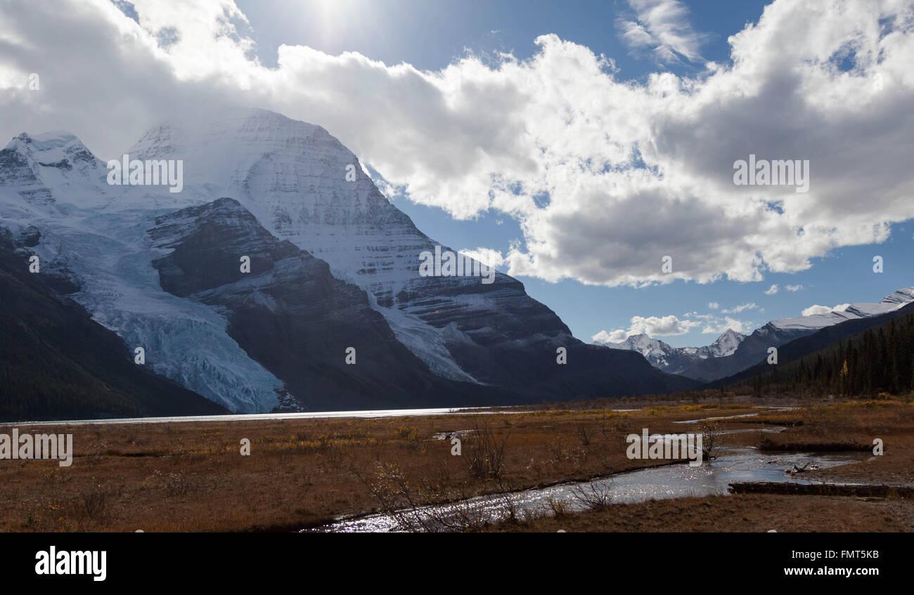 Mount Robson, am Berg Lake, Mount Robson Provincial Park, Britisch-Kolumbien Stockbild