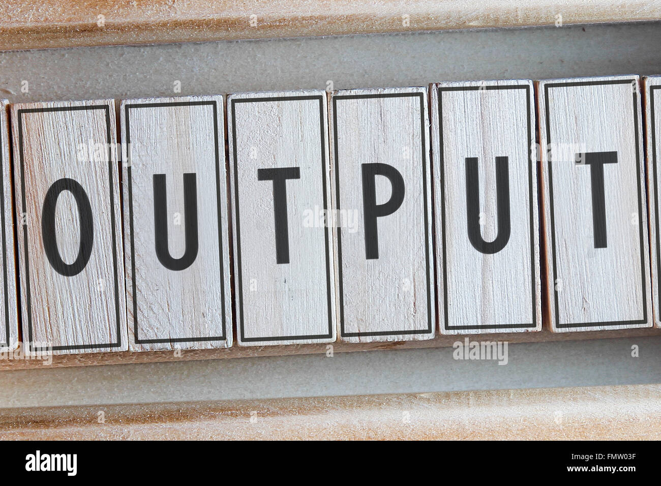 Ausgangswort geschrieben auf Holz Stockbild