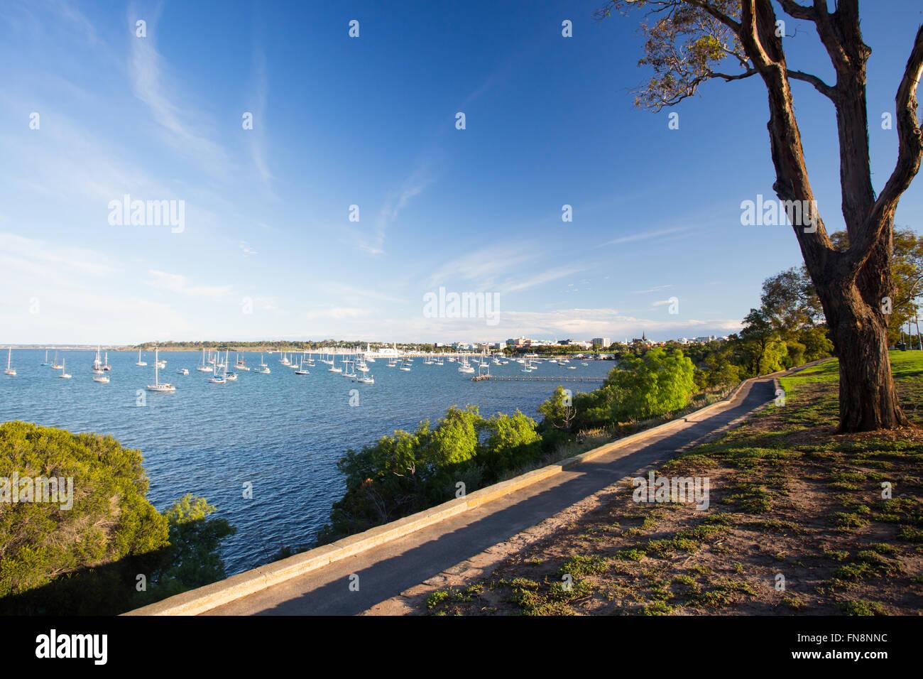 Geelong Waterfront an einem warmen Sommertag ist Abend in Victoria, Australien Stockbild