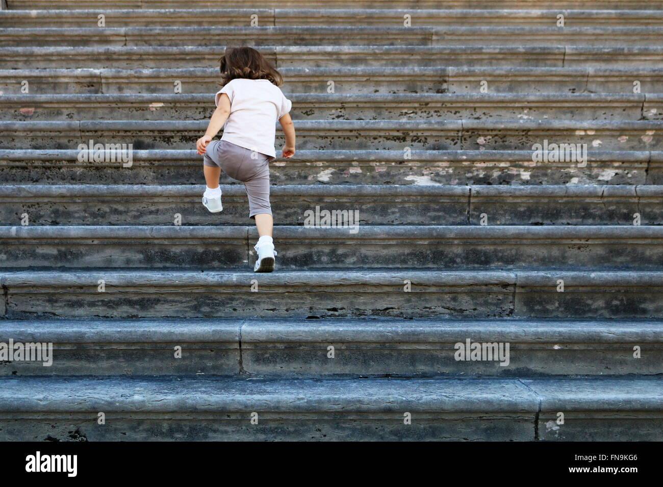 Mädchen, Treppensteigen, Venedig, Italien Stockbild