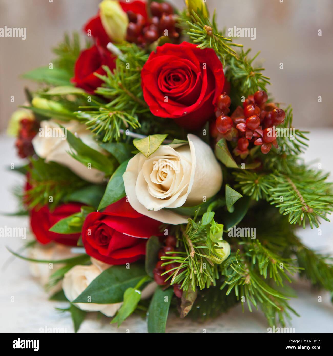 Winter Brautstrauss Blumen Und Tannenzweigen Stockfoto Bild