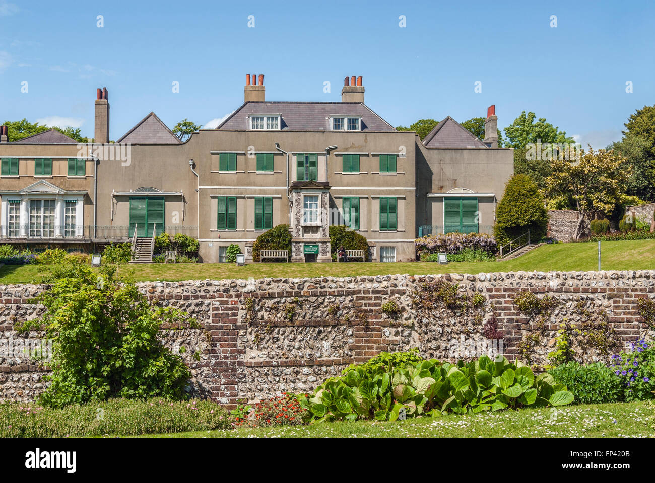Preston Manor, historische Herrenhaus aus dem 17. Jahrhundert, Brighton, East Sussex, England   Preston Manor, Historisches Stockbild