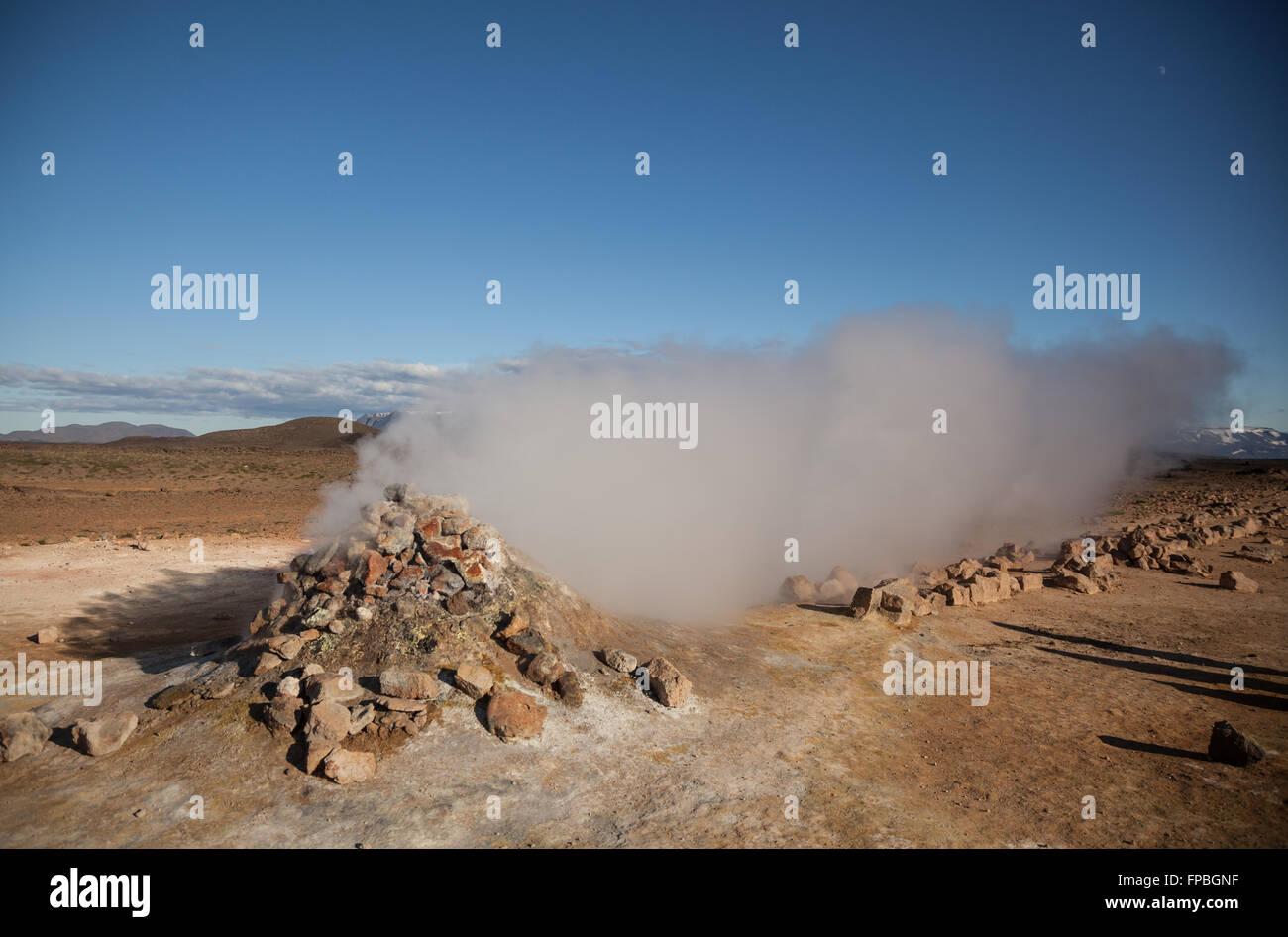 Namafjall, Fumarole loslassen Dampf- und Schwefelwasserstoff-gas Stockbild