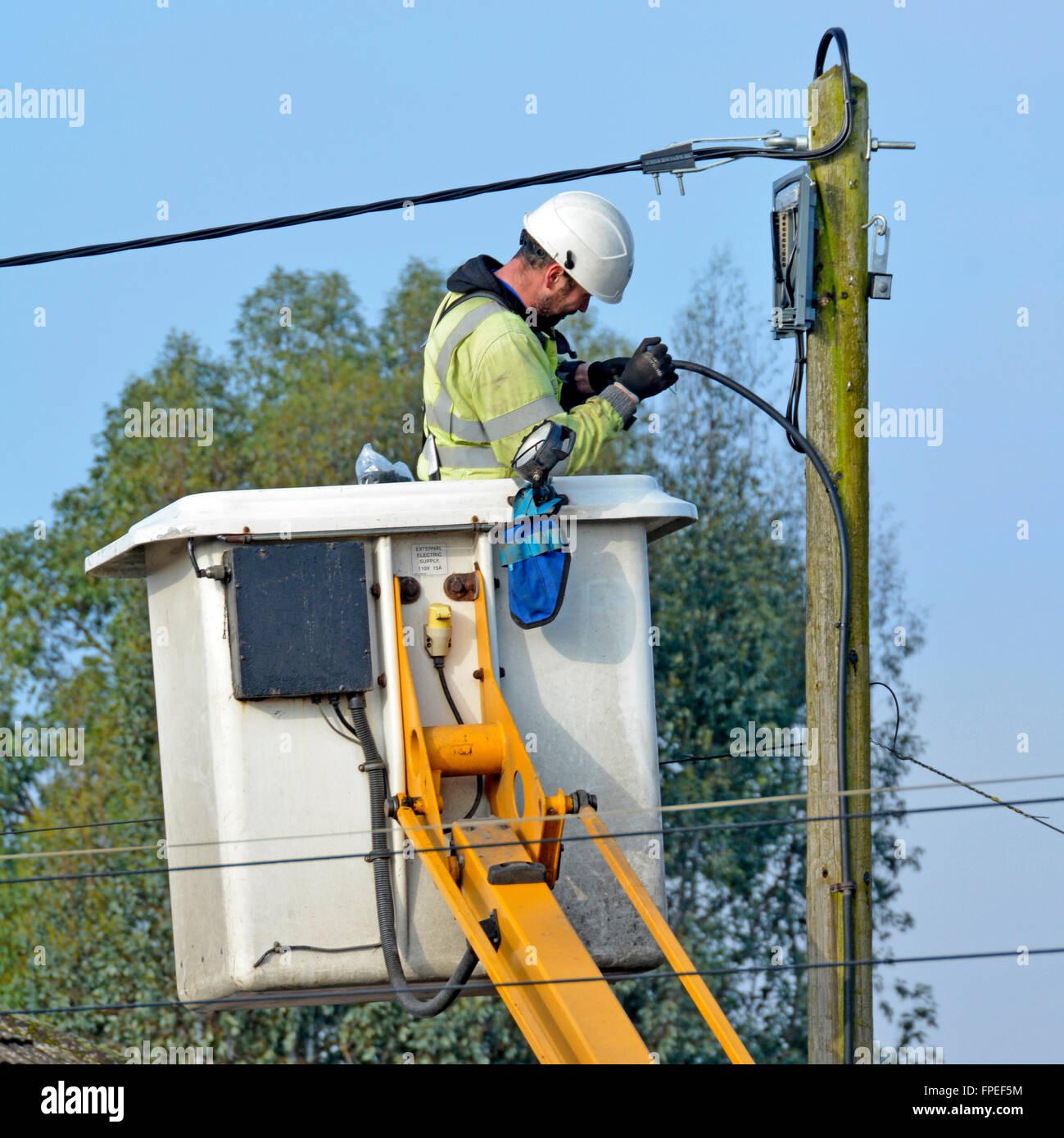 elektro-ingenieur, die durchführung von reparaturen an freileitungen