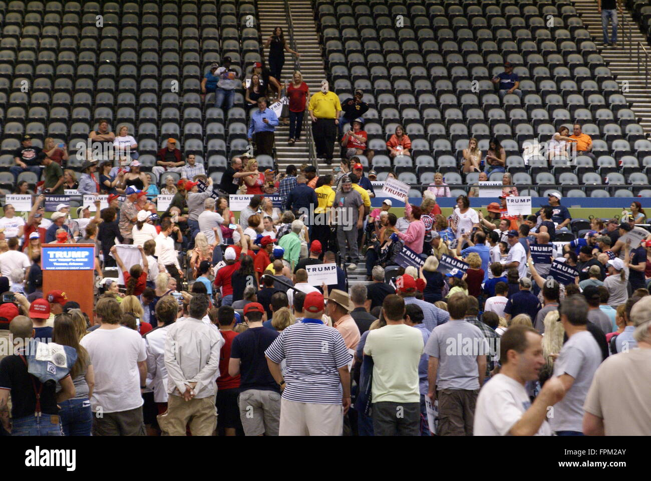 Tucson, USA. 19. März 2016. Mehrere Demonstranten stören Donald Trump politische Kundgebung in Tucson Arizona, USA. Stockfoto