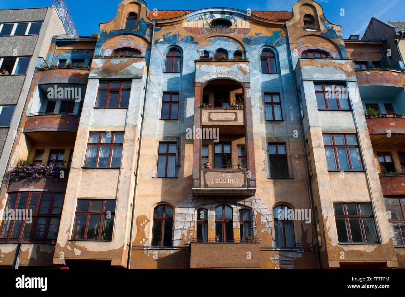 Hos Geldiniz, Falckensteinstrasse 46 in Berlin, Deutschland, Europa. Sie finden das wunderschön gemalte Haus Stockbild