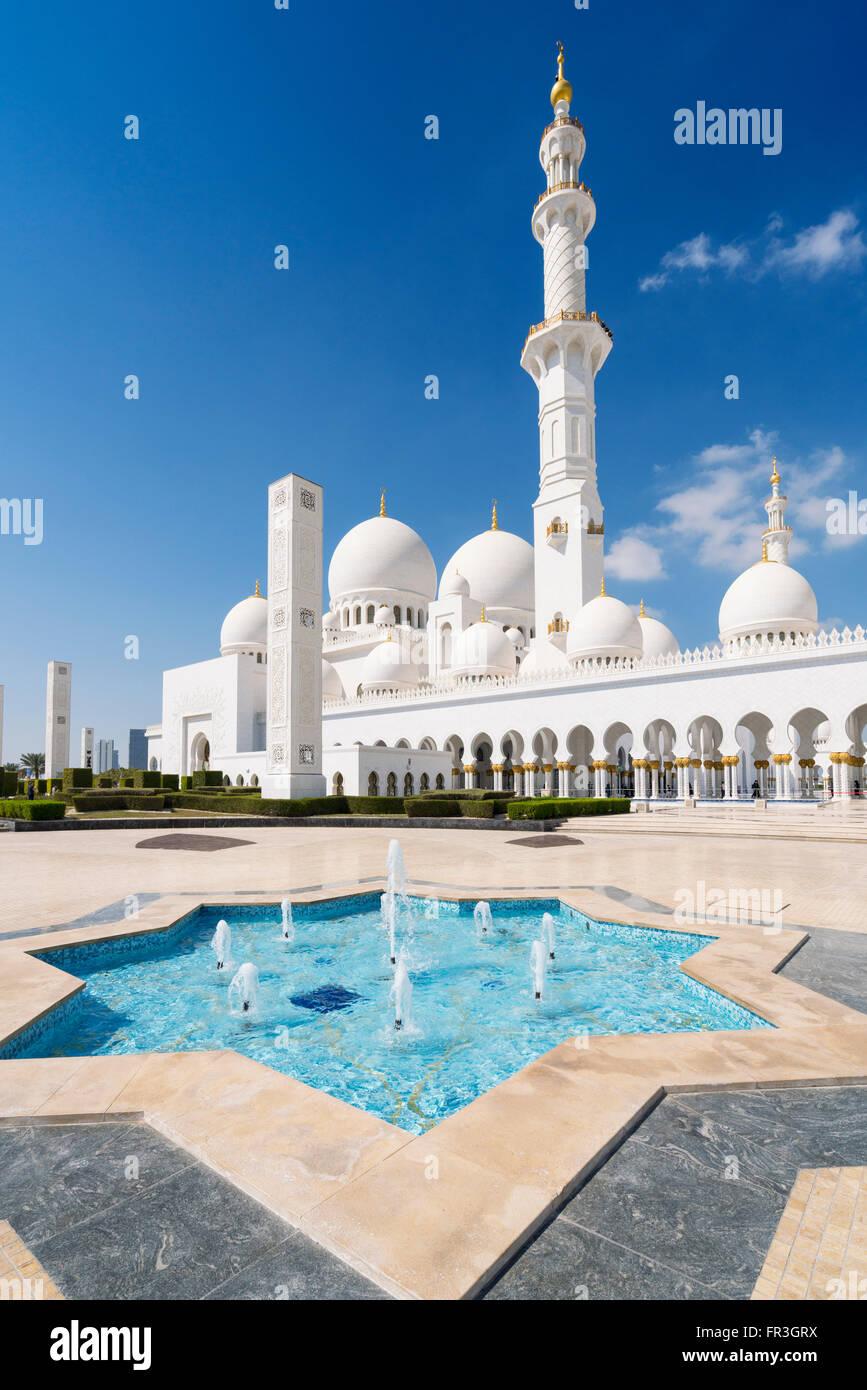 Blick auf der Sheikh Zayed Grand Moschee in Abu Dhabi, Vereinigte Arabische Emirate Stockbild
