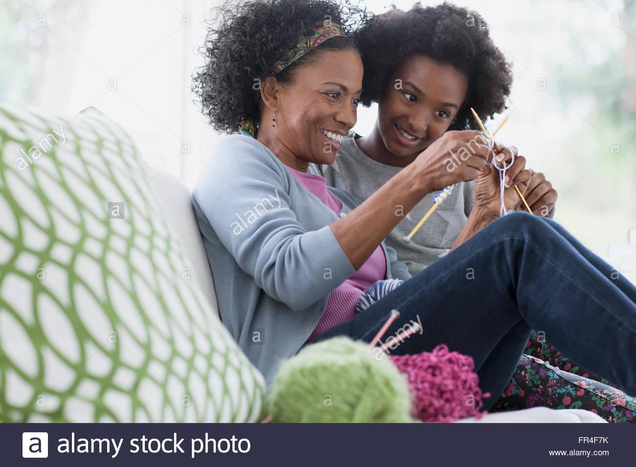 african crafts stockfotos african crafts bilder alamy. Black Bedroom Furniture Sets. Home Design Ideas