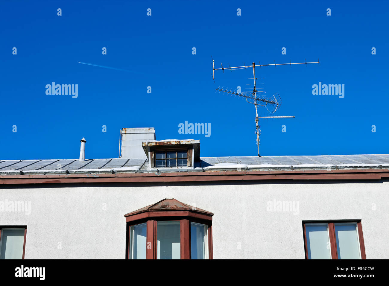 Antennen gegen blauen Himmel Stockbild