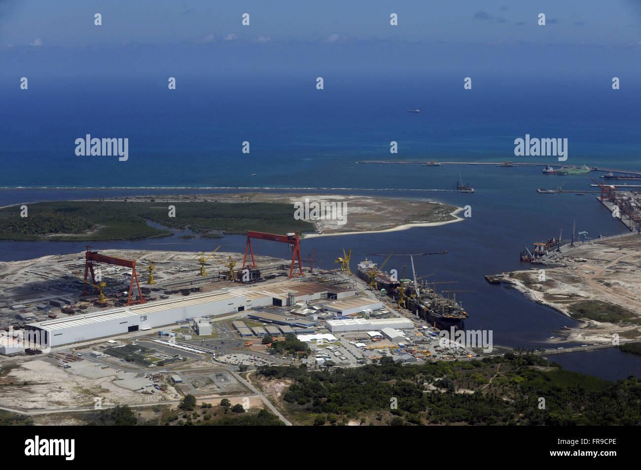 Luftaufnahme von Atlantico Sul Werft Stockbild