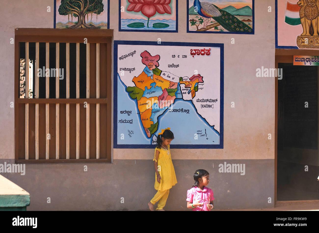 Asien, Indien, Karnataka, Gokarna, Indische Landkarte ein Einer Grundschule Stockbild