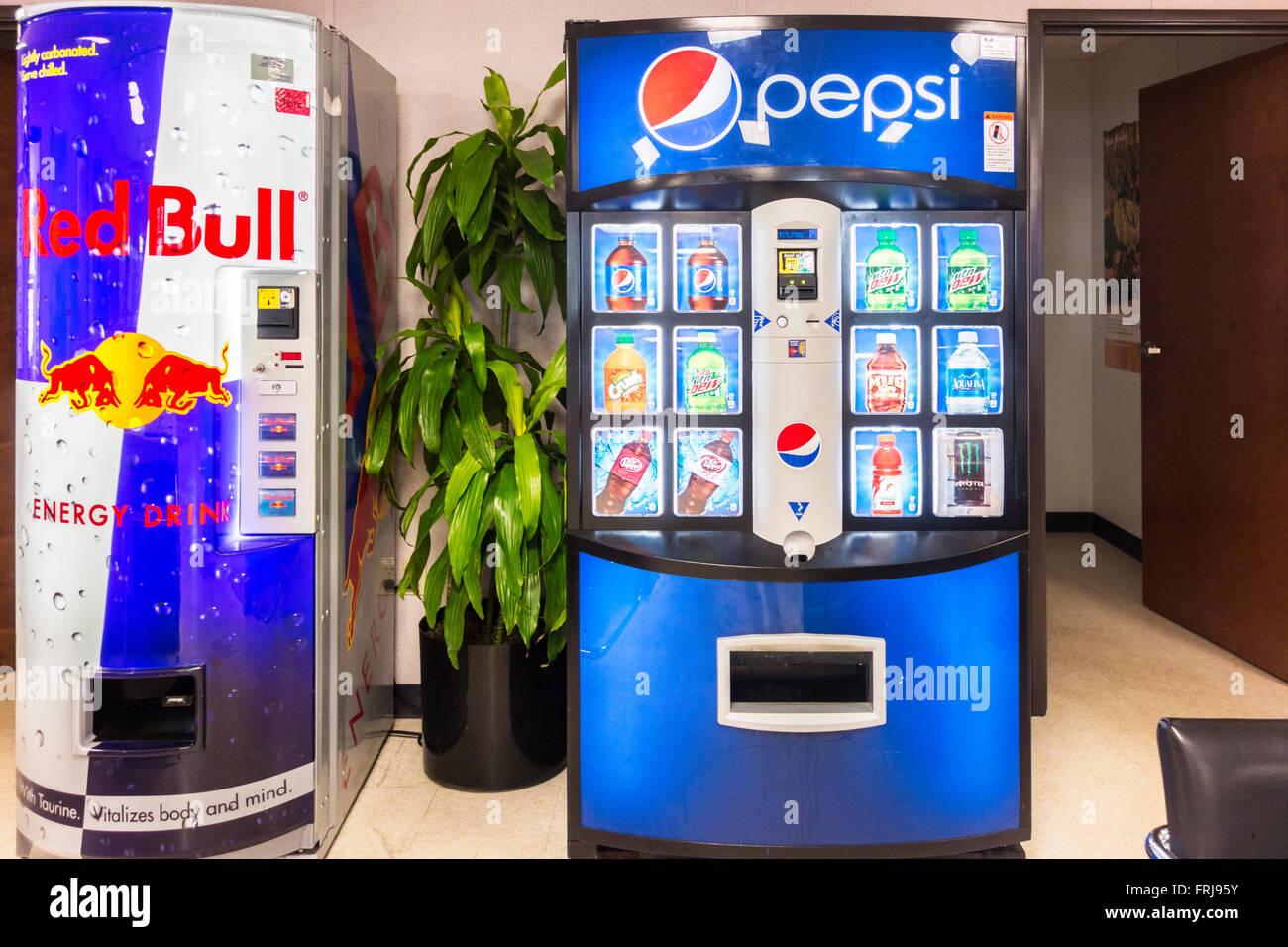 Red Bull Getränke Kühlschrank : Red bull und pepsi maschinen kälteenergie getränke und