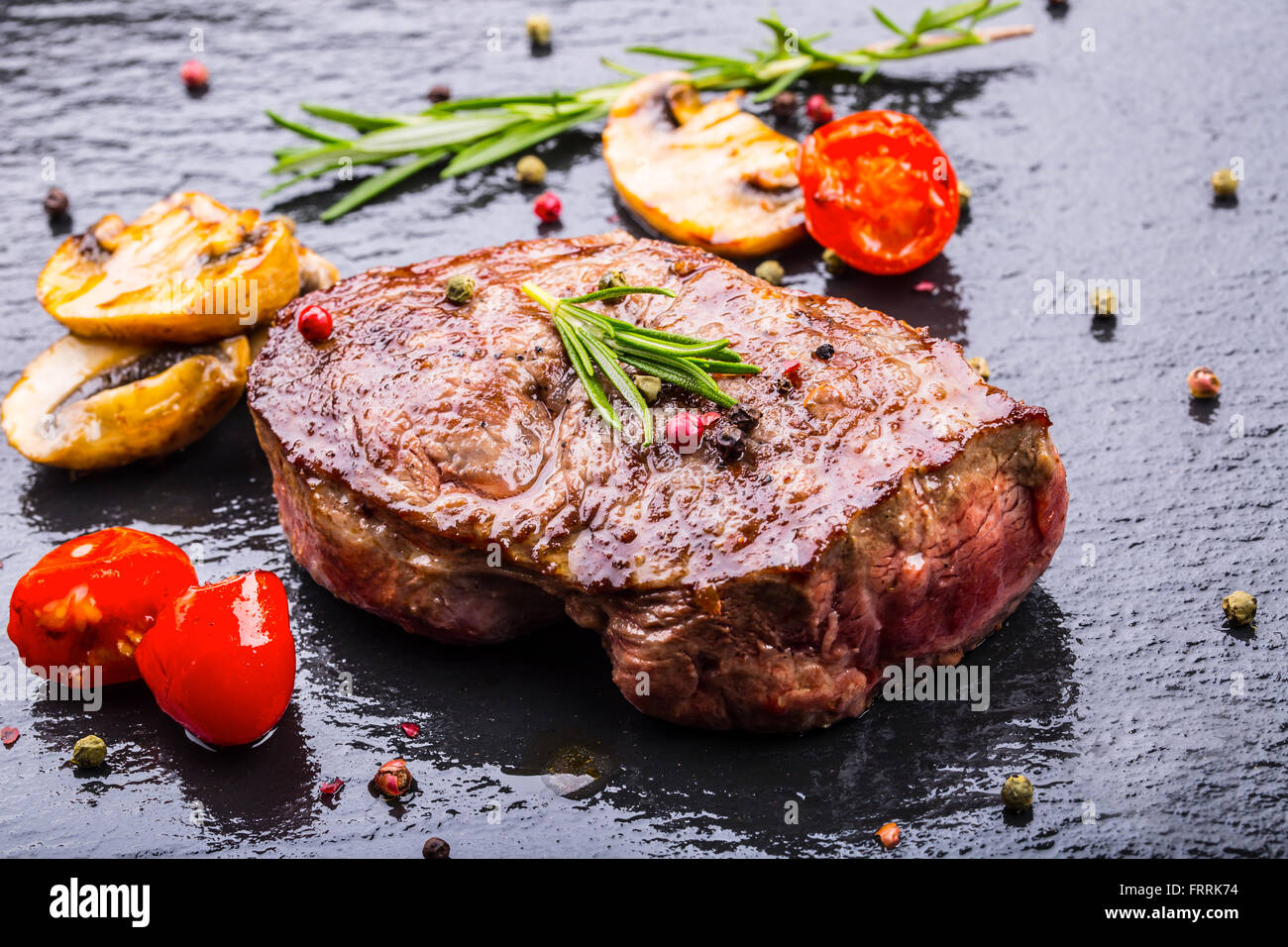 steak stockfotos steak bilder alamy. Black Bedroom Furniture Sets. Home Design Ideas