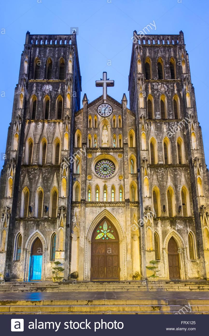 Kathedrale St. Joseph in der Abenddämmerung, Hoan Kiem District, Altstadt, Hanoi, Vietnam Stockbild