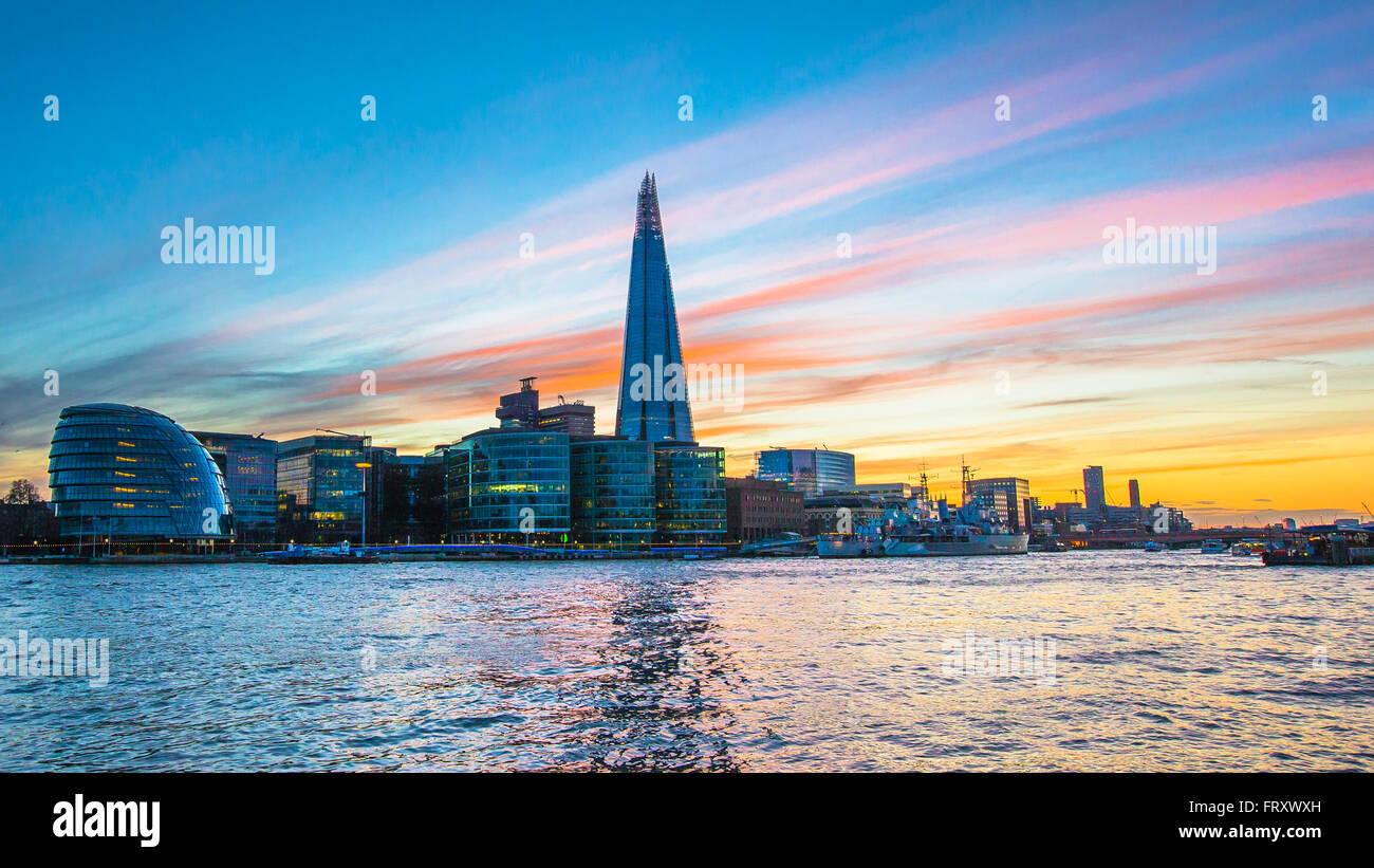London-Ansicht - Shard, Rathaus, Sonnenuntergang Stockbild