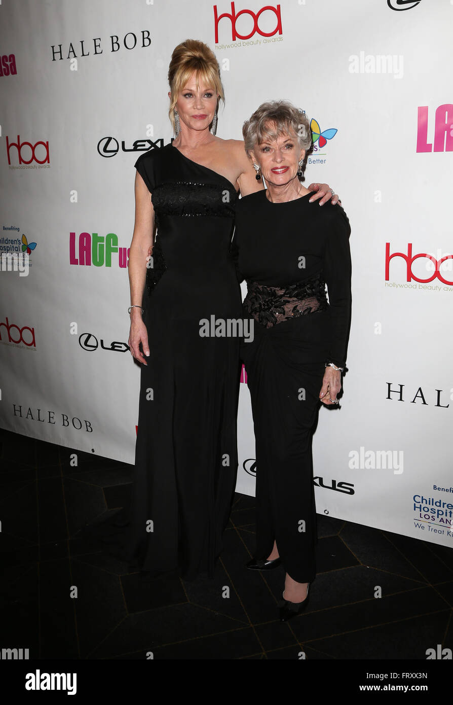 melanie griffith and tippi hedren stockfotos melanie griffith and tippi hedren bilder alamy. Black Bedroom Furniture Sets. Home Design Ideas