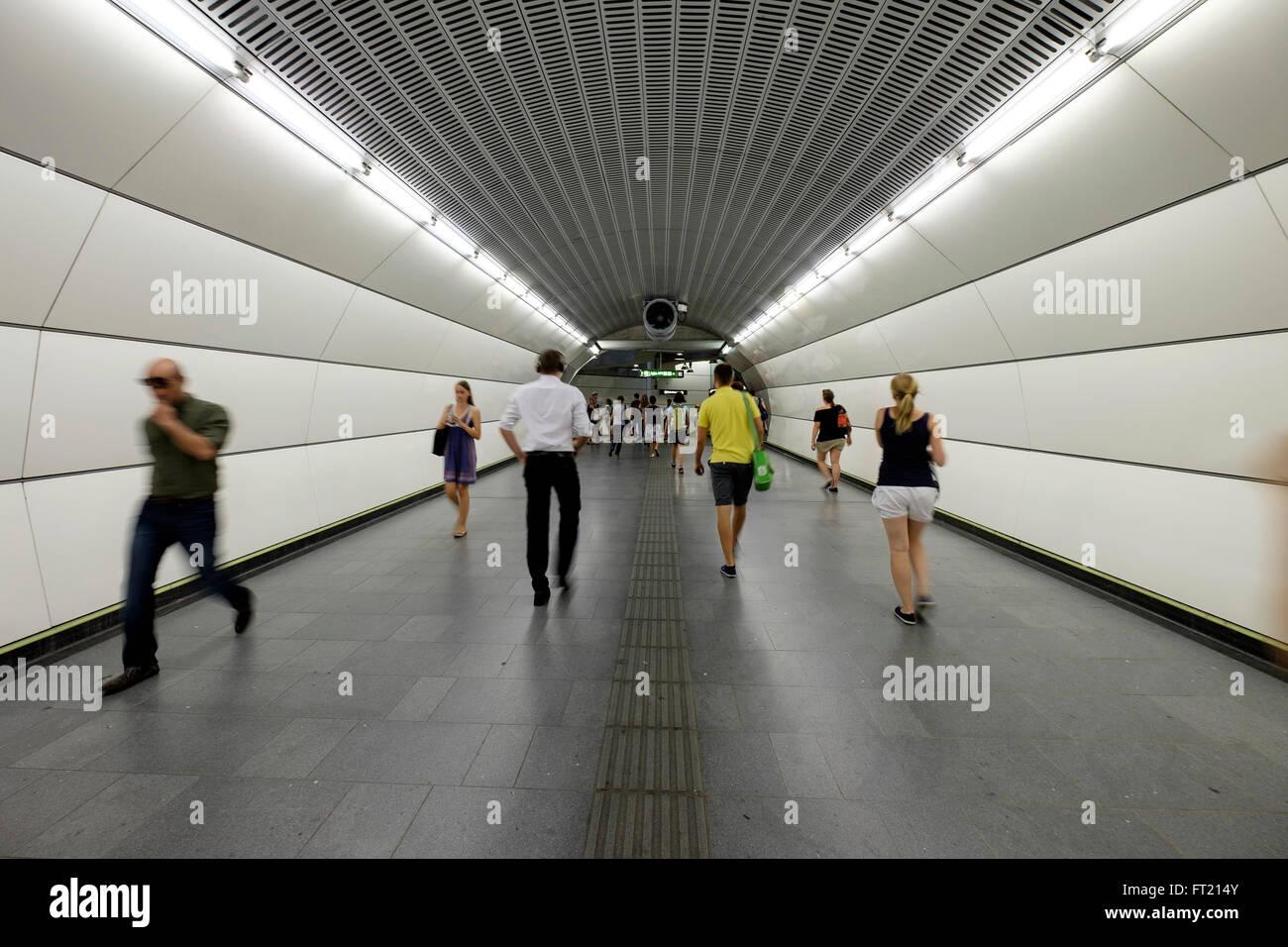U-Bahn u-Bahnstation in Wien, Österreich, Europa Stockbild