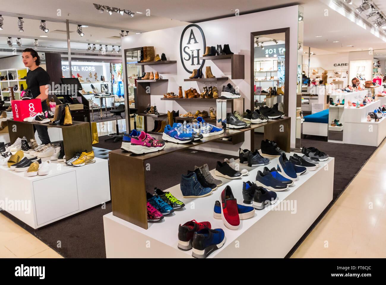 Damen Schuhe, Retail Store