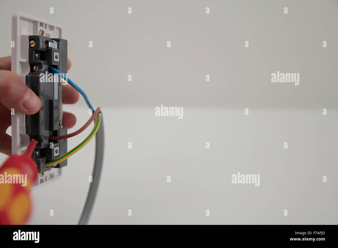 Socket And Wires Stockfotos & Socket And Wires Bilder - Alamy