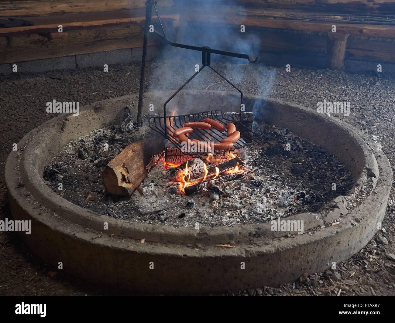 Gas Oder Holzkohlegrill Yorkshire : Grill hut stockfotos & grill hut bilder alamy
