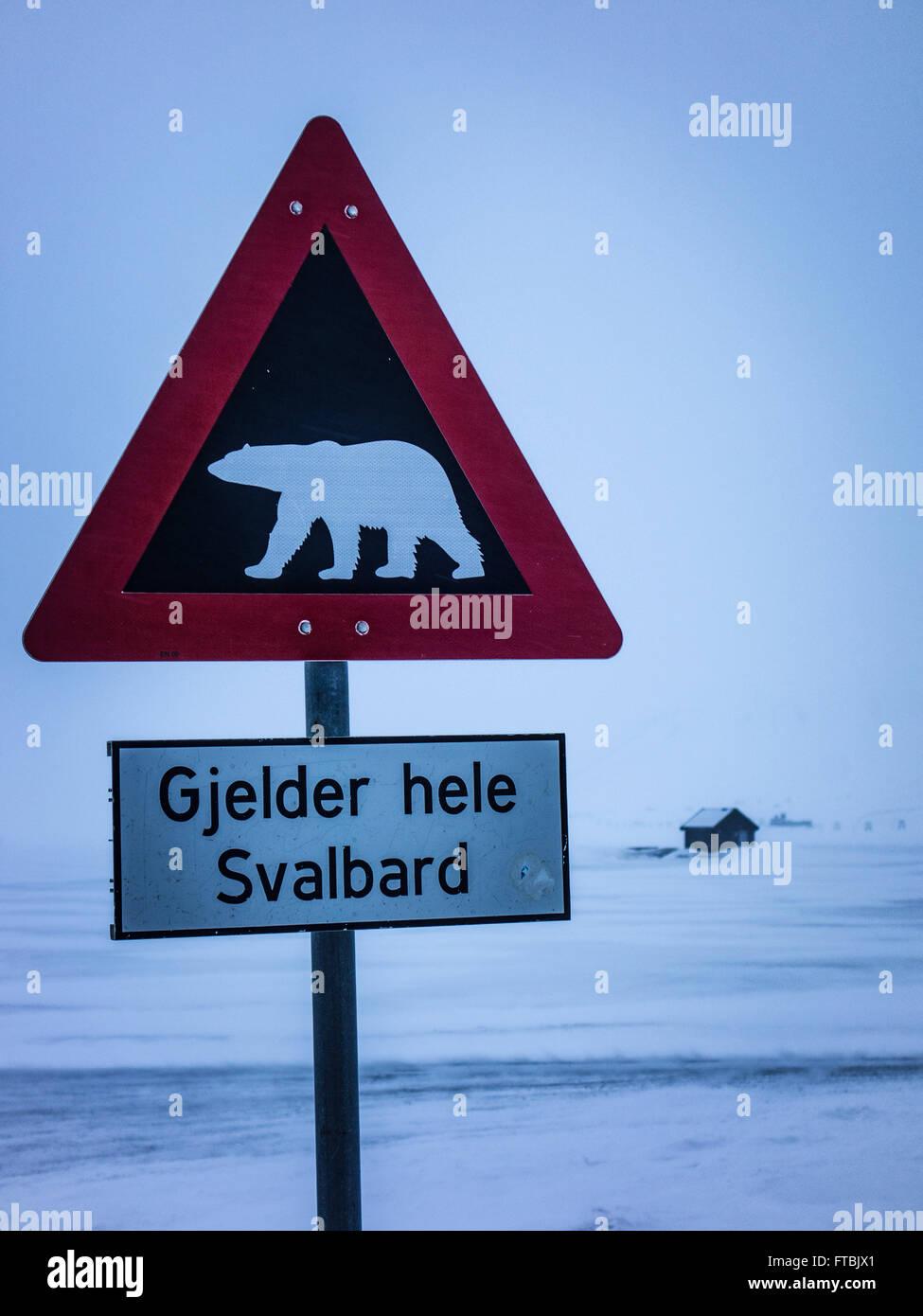 Eisbär-Warnschild Longyearbyen, Norwegen, Spitzbergen, Svalbard Stockbild
