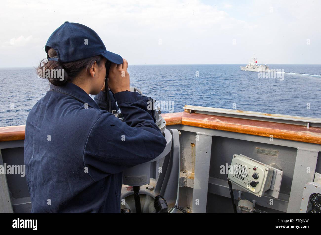 Entfernungsmesser Schiff : Turkish ship gokceada f 494 stockfotos &