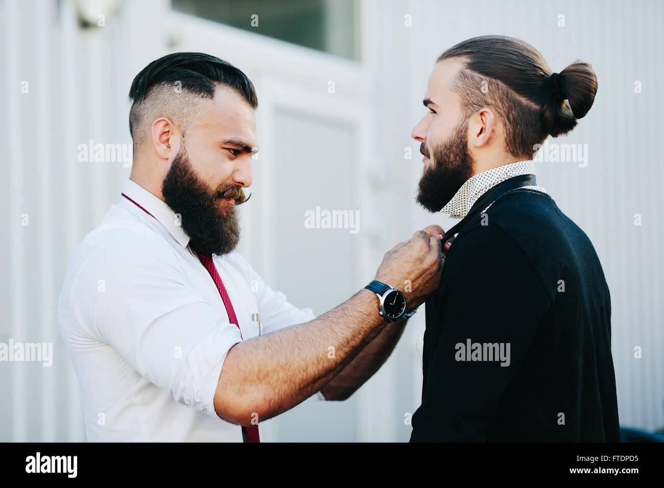 zwei Geschäftsleute bereit zu arbeiten Stockbild