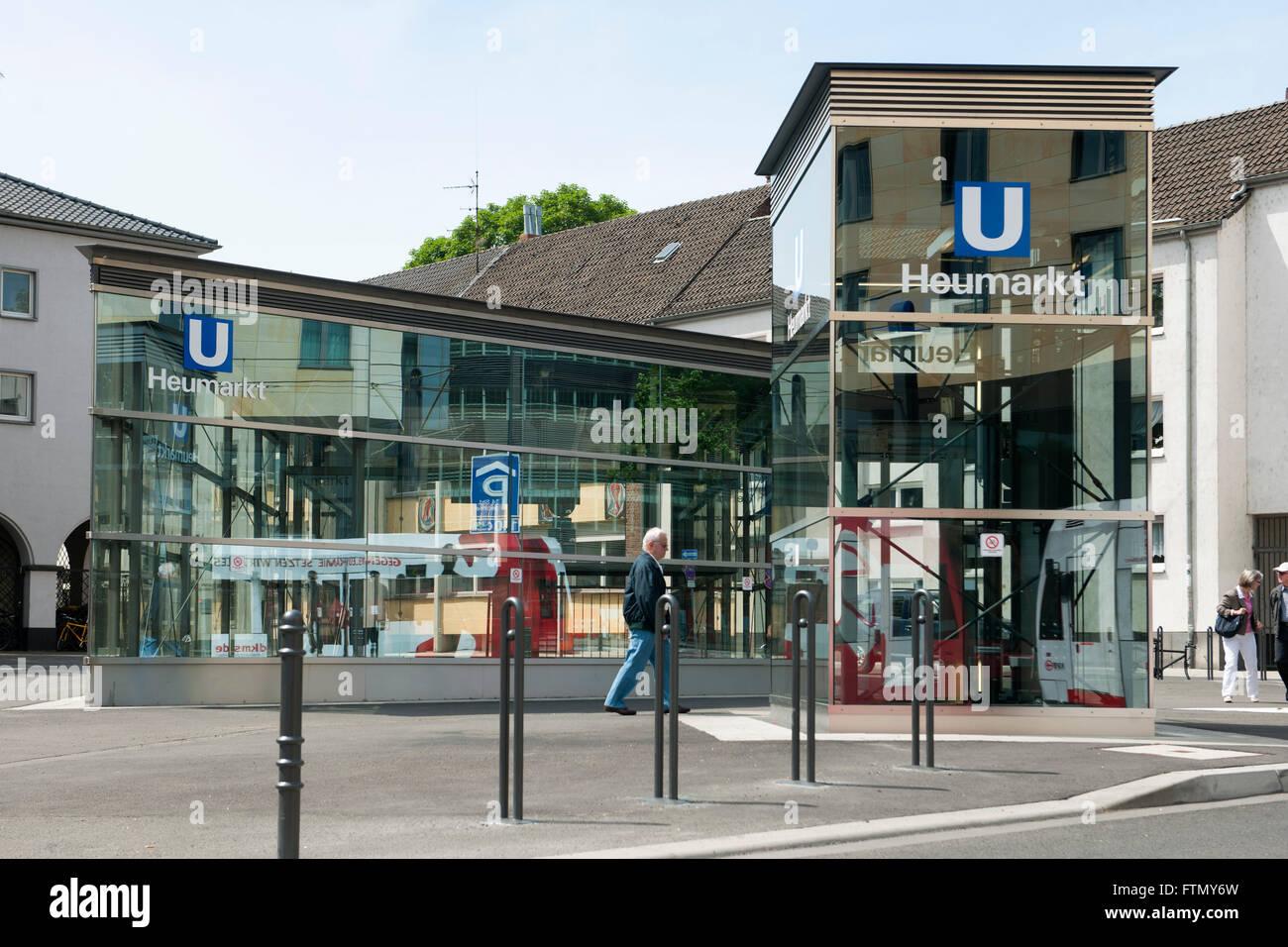 Köln, Ehrenfeld, Neustadt-Süd, Pipinstrasse, U-Bahn-Haltestelle Heumarkt Stockbild