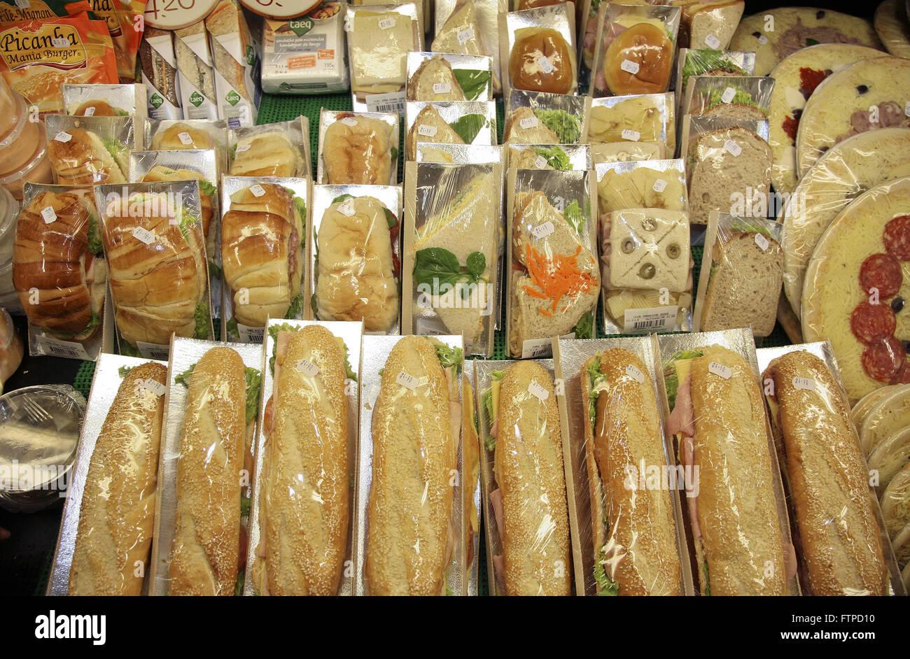 Sandwiches in Lebensmittelgeschäften verkauft Stockbild