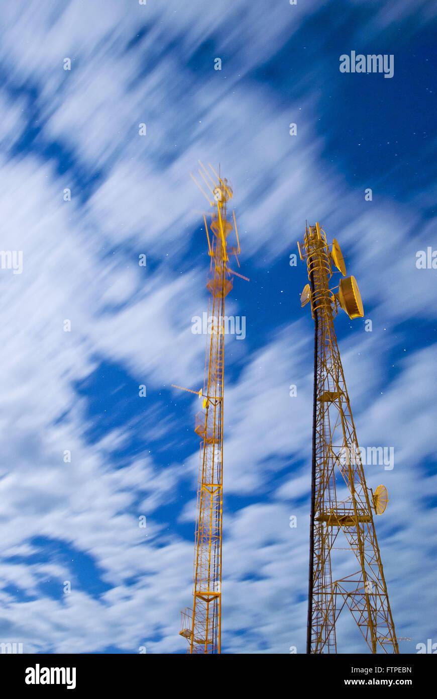 Telekommunikation-Antennen Stadt Strohhalme Stockbild