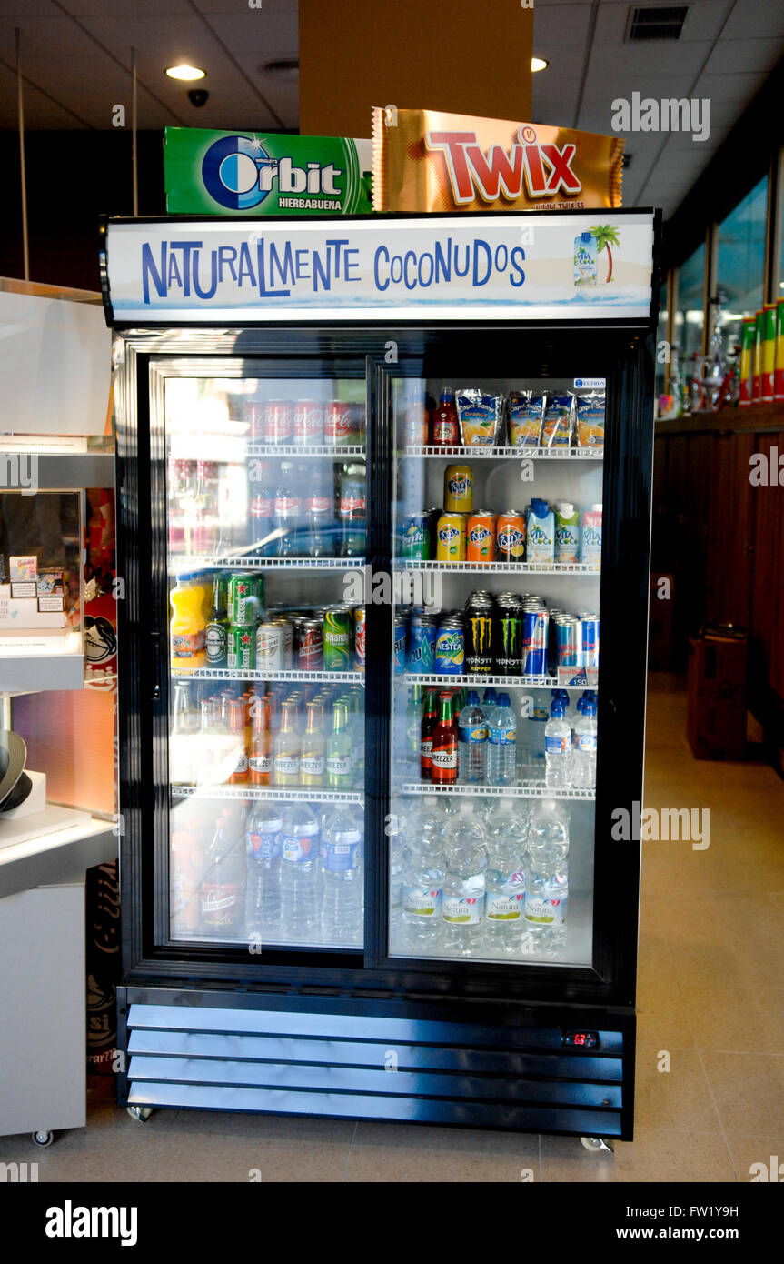 Getränke Kühlschrank display Stockfoto, Bild: 101461629 - Alamy