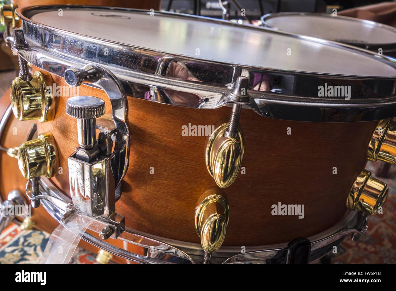 Snare-Drum Snare Hebel. Die Schlinge ist ein Netz von Drähten, die ...