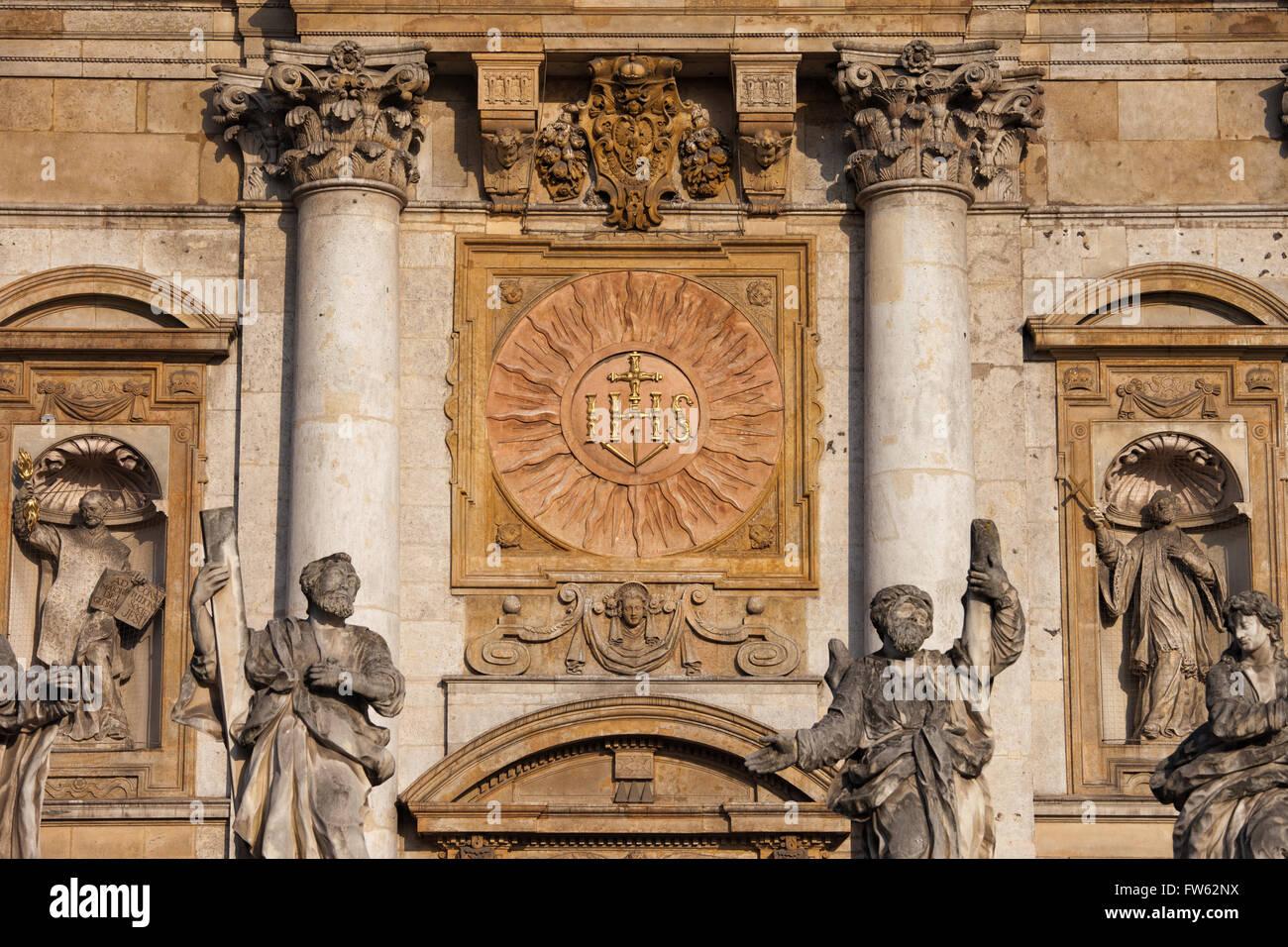 Polen, Stadt Krakow (Krakau), Altstadt, Kirche St. Peter und Paul, All Saints Parish, Sonne Relief, architektonische Stockbild