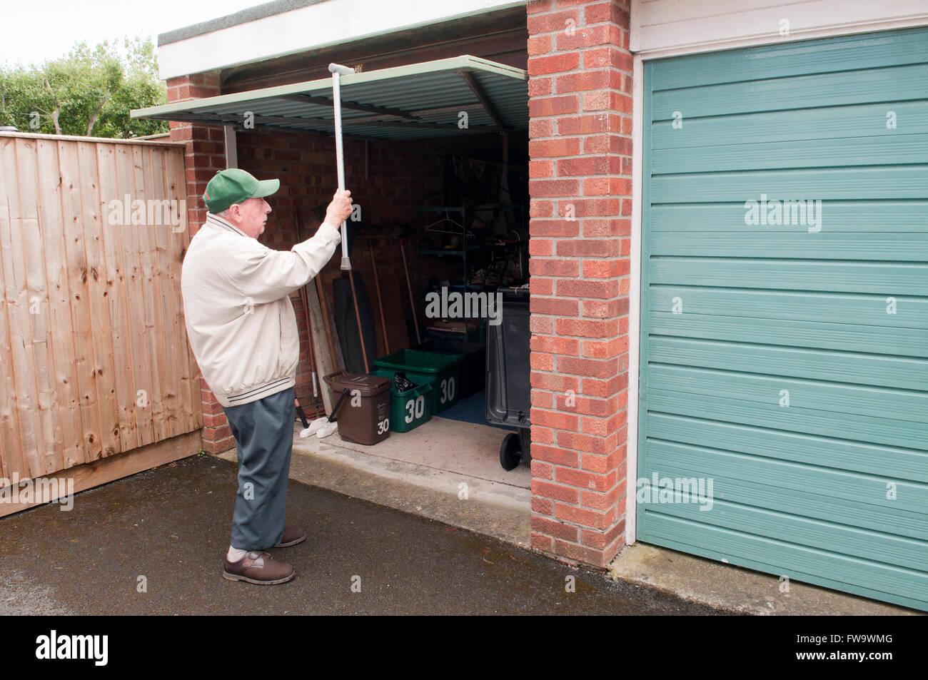 Walking Stick By Door Stockfotos & Walking Stick By Door Bilder - Alamy