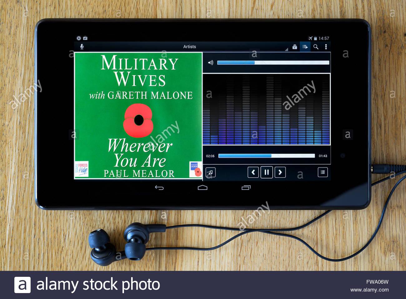 Militärische Frauen 2011 single überall dort, wo Sie sind, MP3 Album-Cover auf PC Tablet, England Stockbild