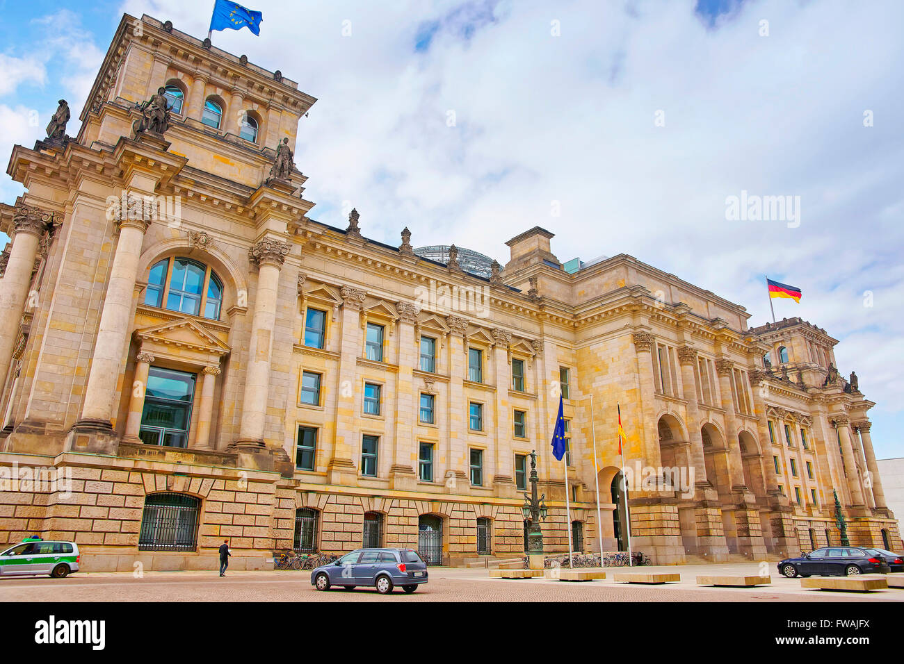 Reichstagsgebäude in Berlin Deutschland. Reichstag ist ein bekannter Gebäude, das auf der Konigsplatz Stockbild
