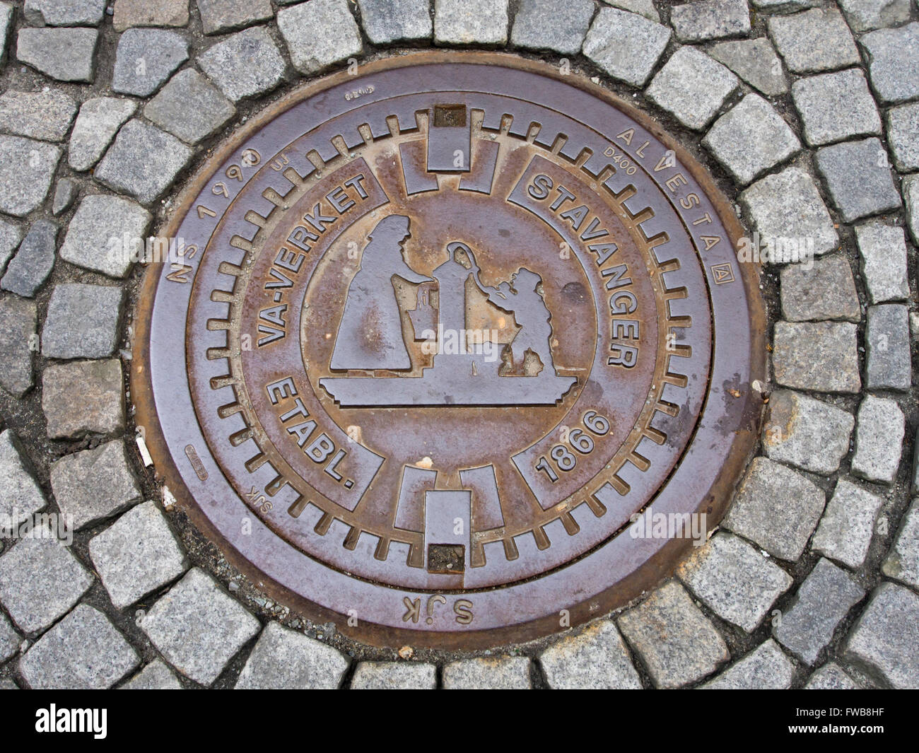 norway manhole cover stockfotos norway manhole cover. Black Bedroom Furniture Sets. Home Design Ideas