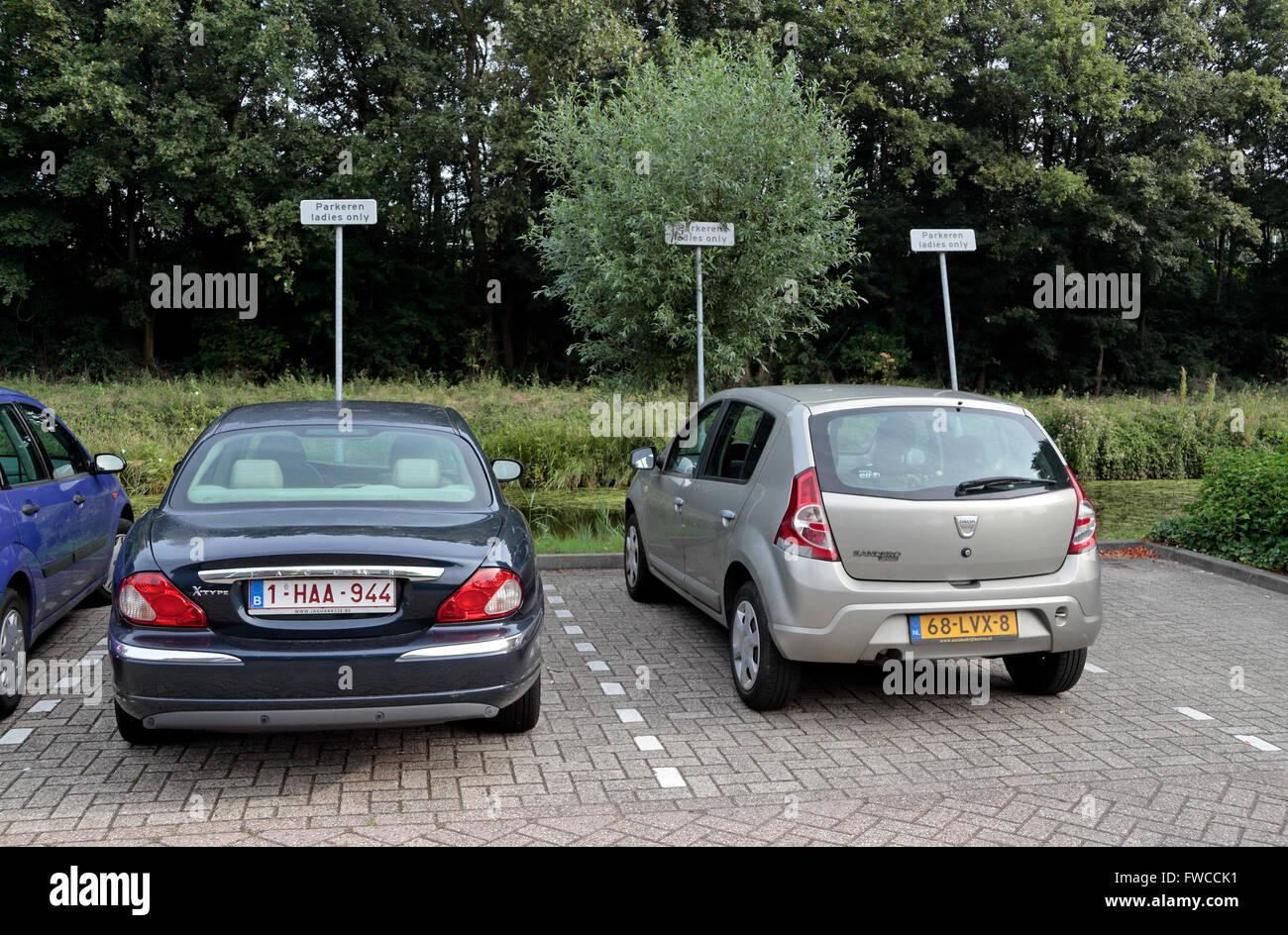 Parken In Einer Parkeren Ladies Only Parkplatz Ladies Only