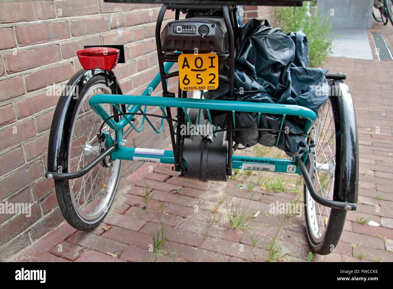 kfz kennzeichen auf einem motorisierten dreirad n. Black Bedroom Furniture Sets. Home Design Ideas
