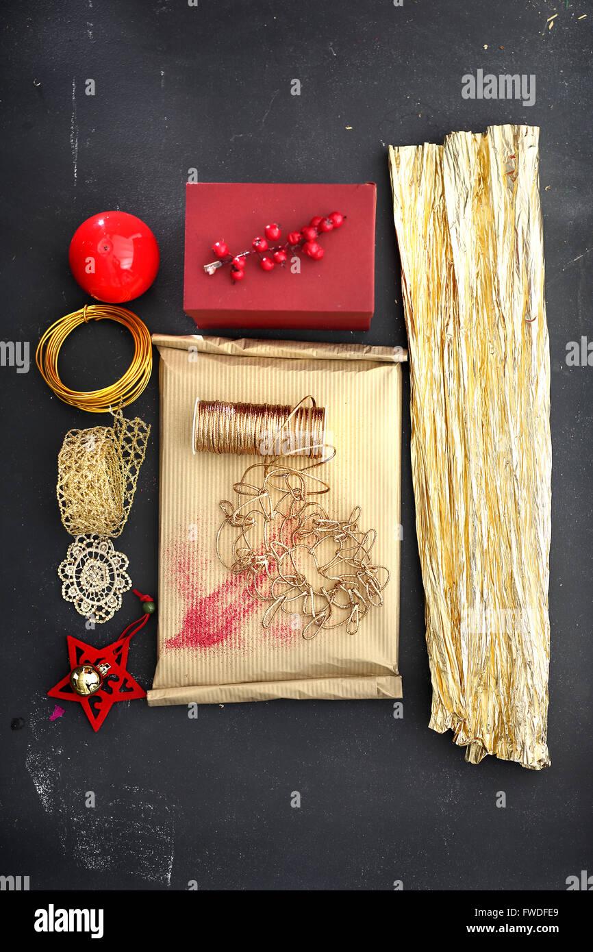 Verpackung Geschenke Stockfotos & Verpackung Geschenke Bilder - Alamy