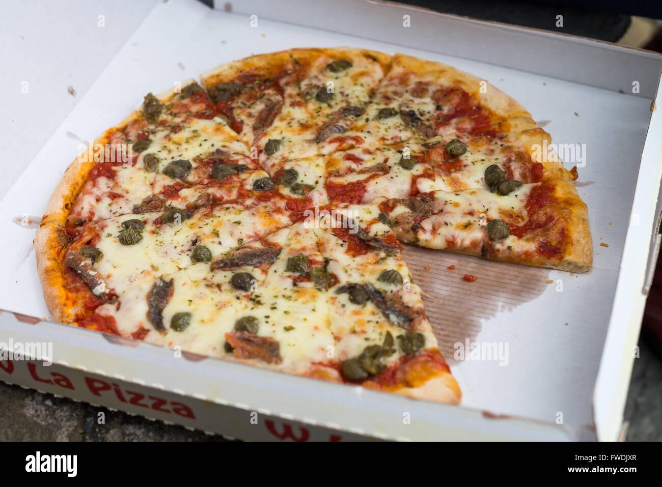 pizza cartoon stockfotos pizza cartoon bilder alamy. Black Bedroom Furniture Sets. Home Design Ideas