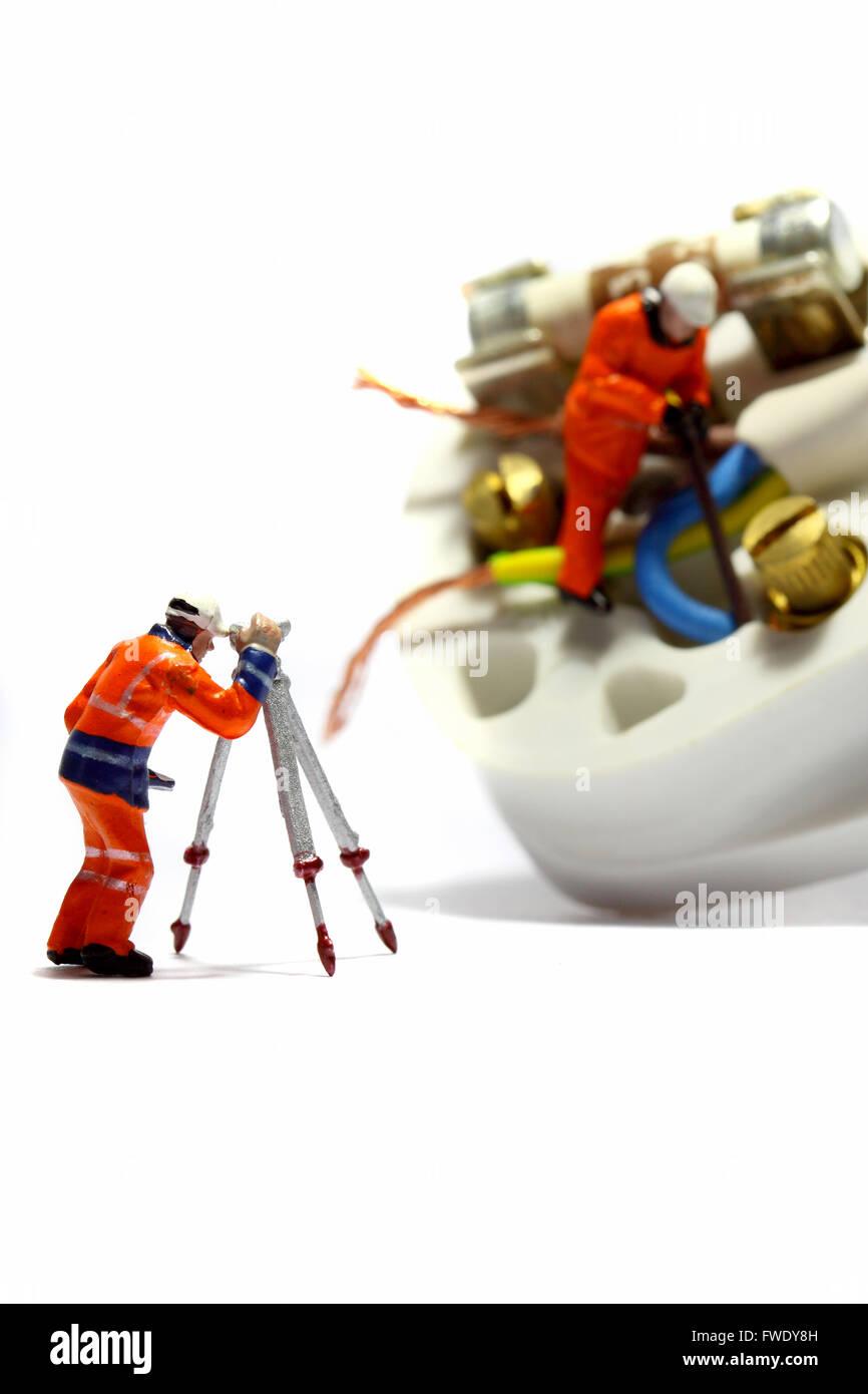 Atemberaubend Miniatur Drahtmutter Ideen - Elektrische Schaltplan ...