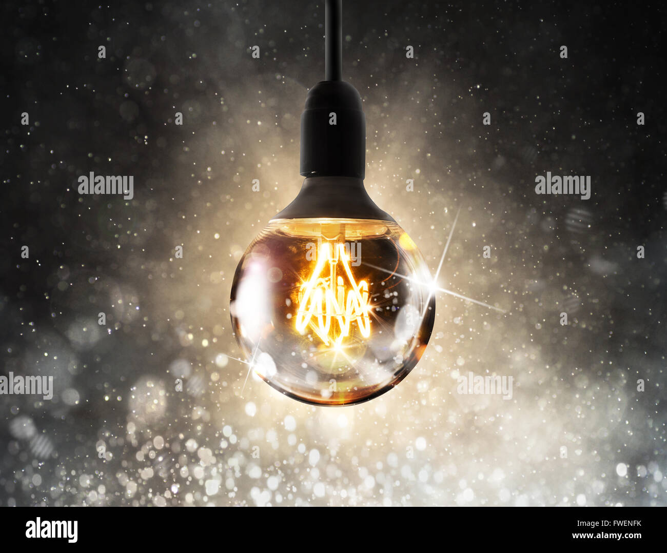 Glänzende Glühbirne Stockbild
